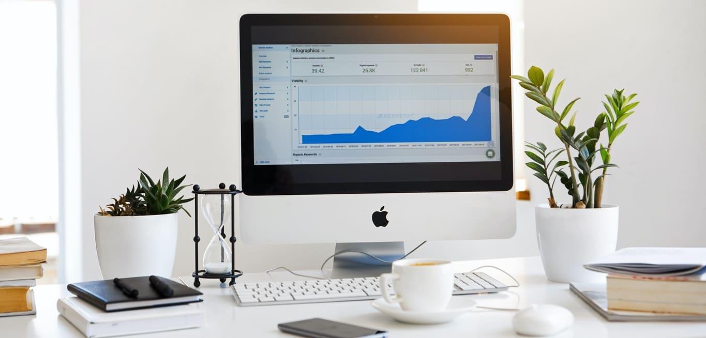 dator med statistik som syftar till marketing automation system