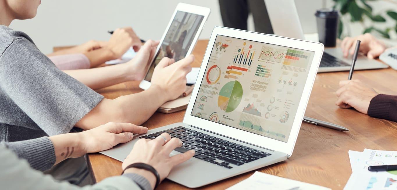 Dator med statistik