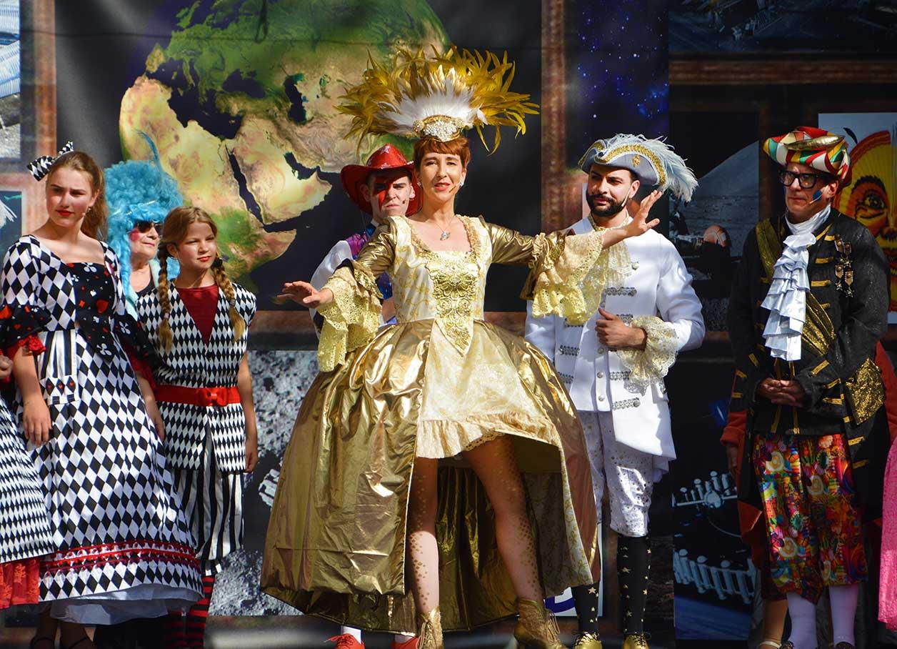 Coloratura Soprano S. Gabler performing Frau Luna