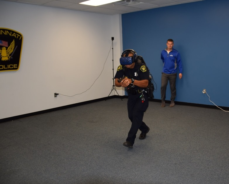 Police Officer in Ohio runs through VRTraining Scenario at the Cincinnati Police Academy