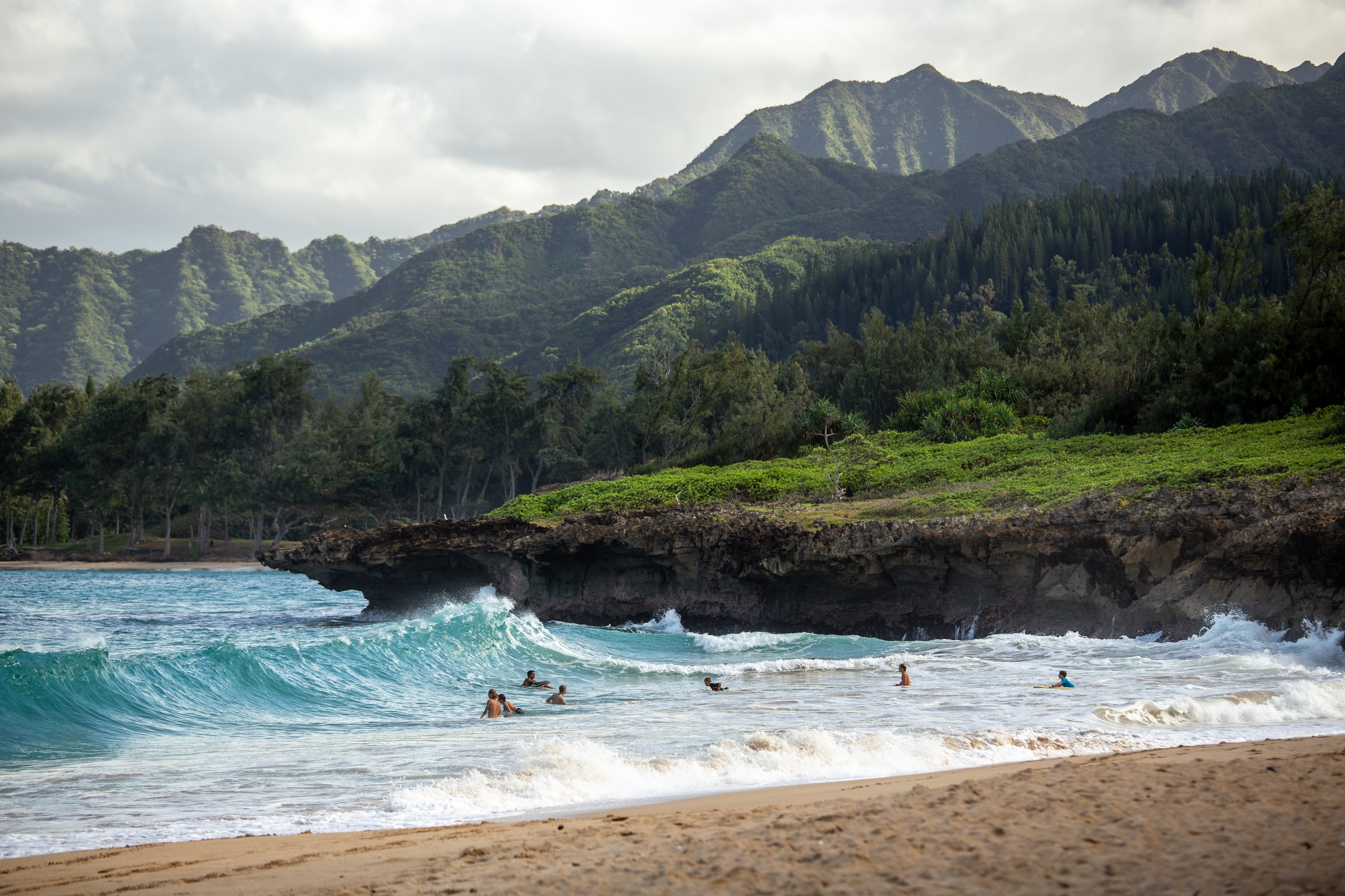 Hawaii inspired mountains and beach waves