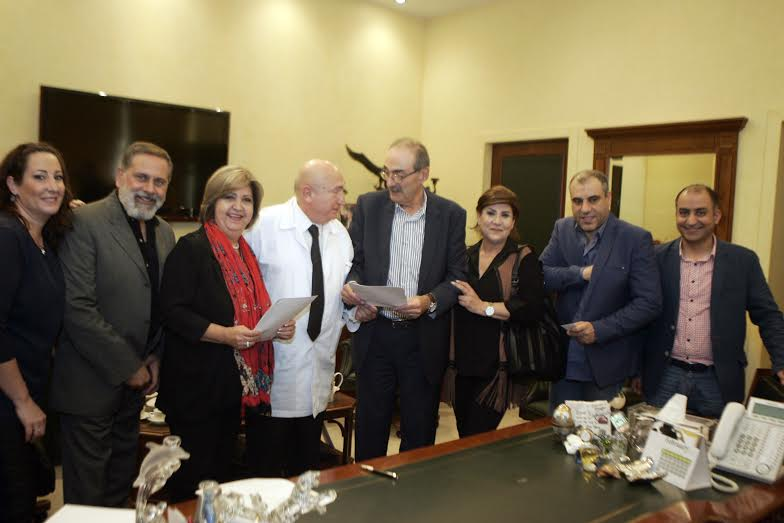 إتفاقية تعاون بين مستشفى المشرق ونقابة الفنانين المحترفين
