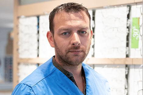 Simon Le Gagne, Opticien et directeur de 2 boutiques Atol au Mans, client de Talk.