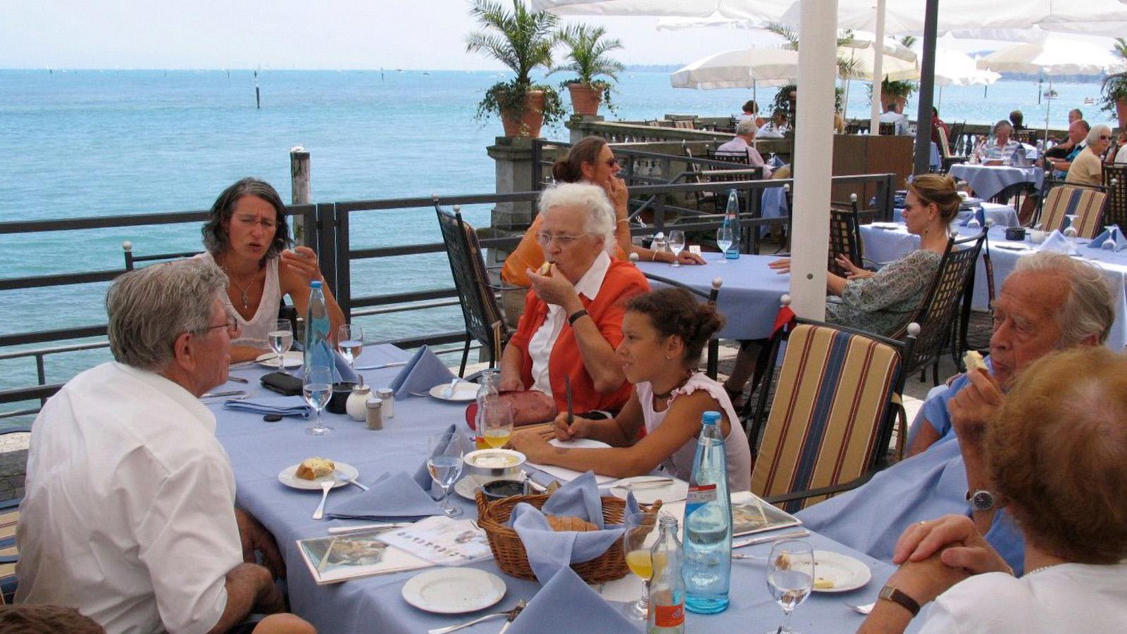 Steigenberger-Hotel See-Terrasse für einen schönen Abend - Ferienwohnung Roos Konstanz