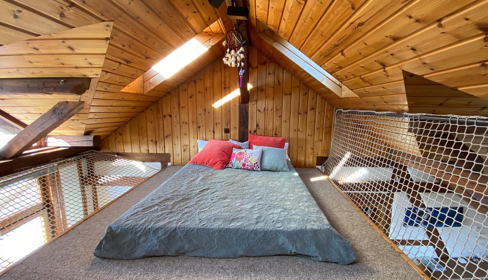 Schlaf-Empore direkt unter dem Giebel der Ferienwohnung Roos Konstanz Bodensee