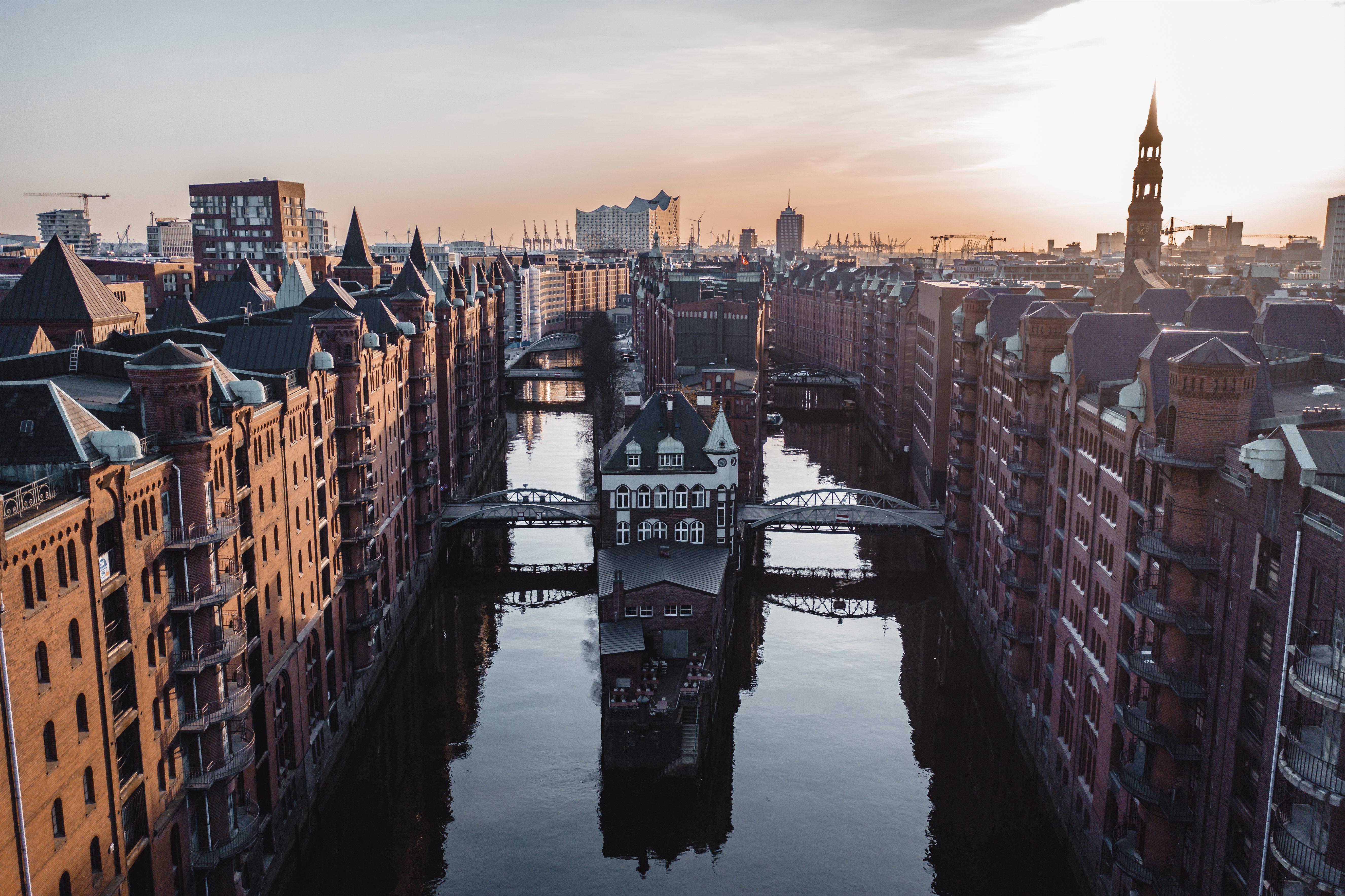 Hafenschloss Hamburg Drohnenaufnahmen