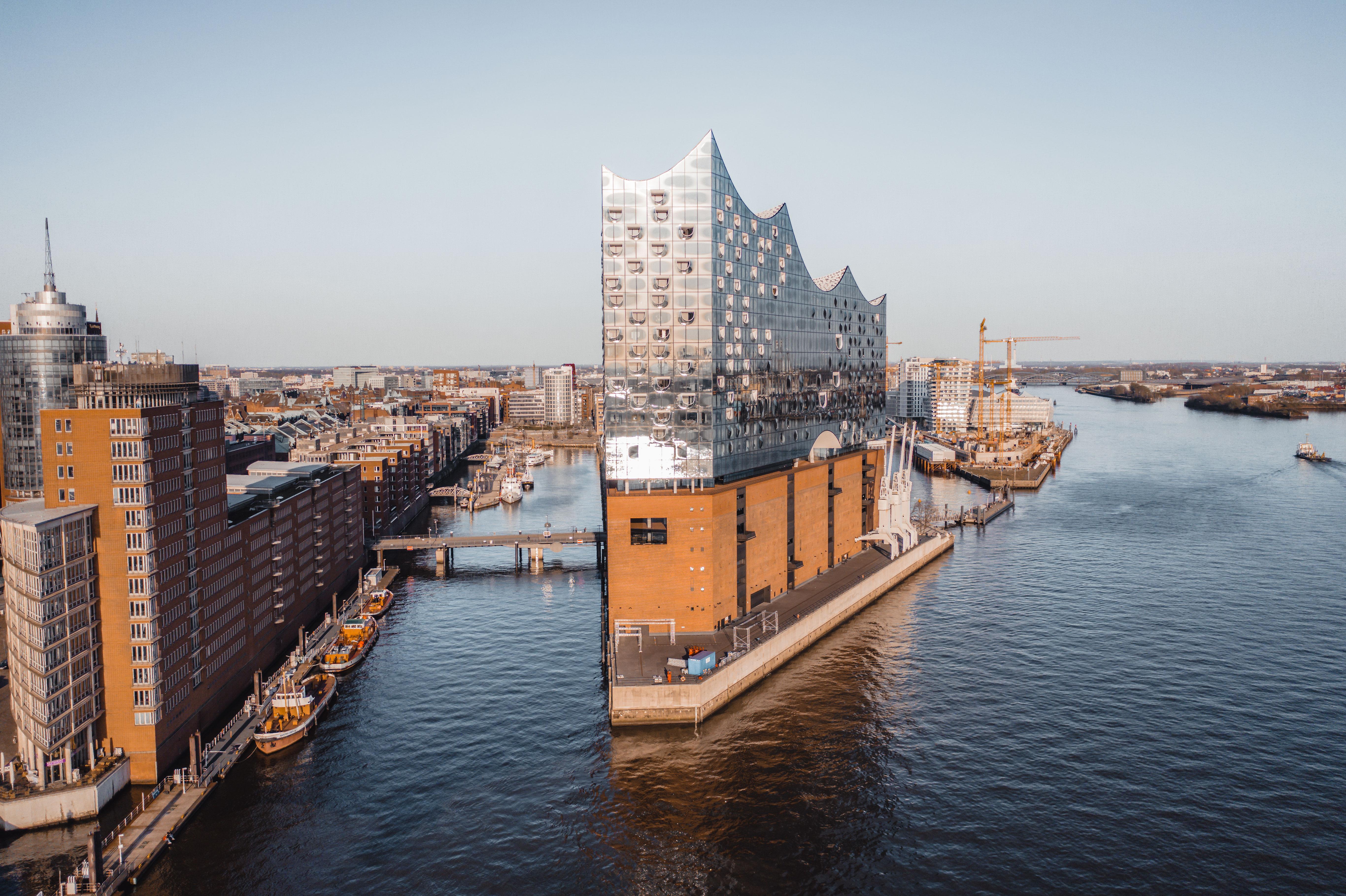 Elbphilharmonie Hamburg Dorhnenaufnahmen