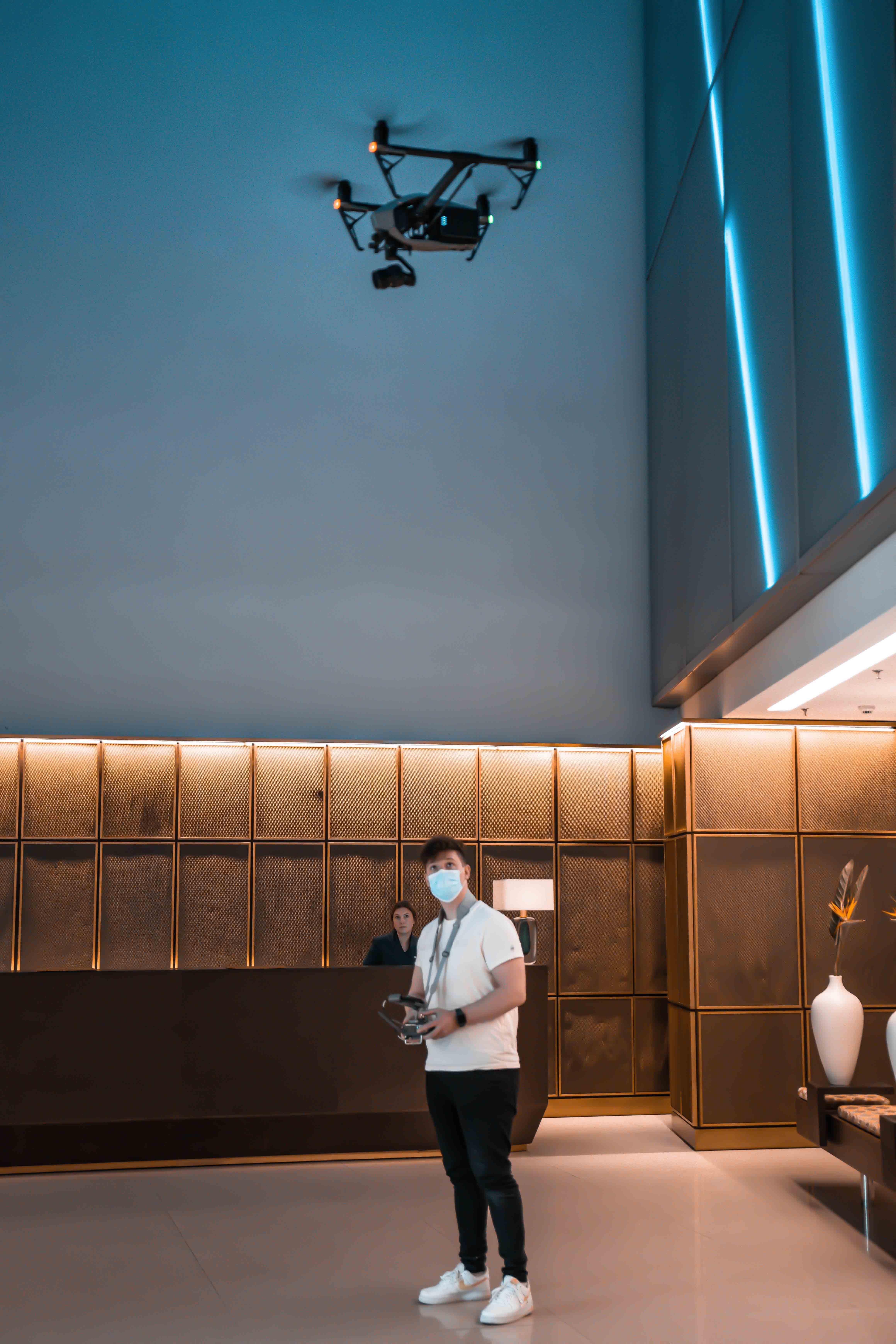 DJI Inspire Drohnenaufnahmen Hamburg Side Hotel