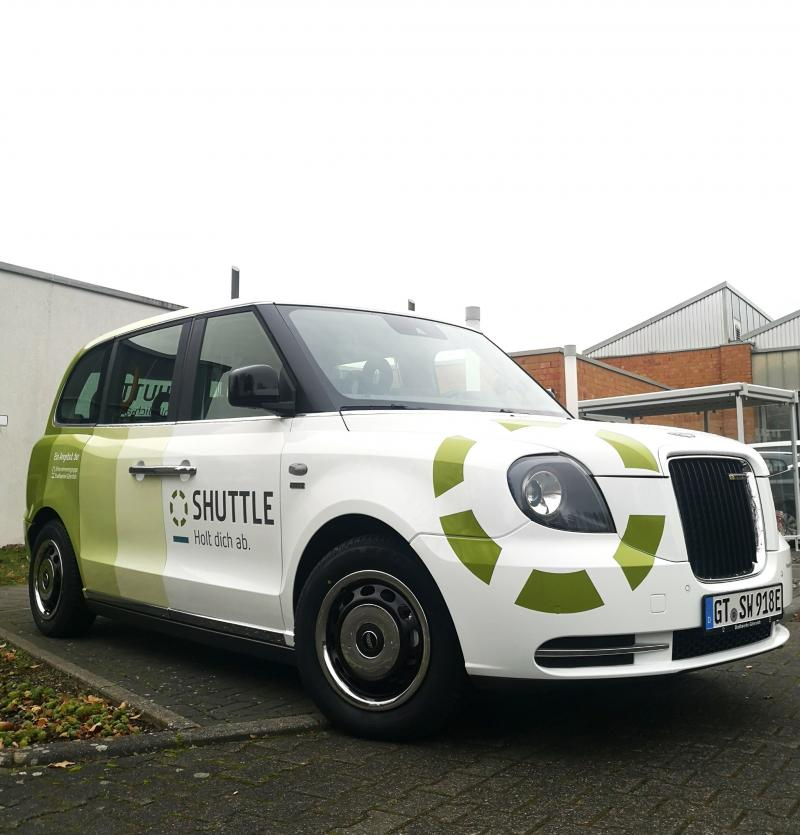 """In Gütersloh, the mobility service """"Shuttle - Holt dich ab"""" (Pick you up) operates public transport with two LEVC London Taxis and a Mercedes Sprinter. The name sounds a bit strange, but the service has been really well received in the city!"""