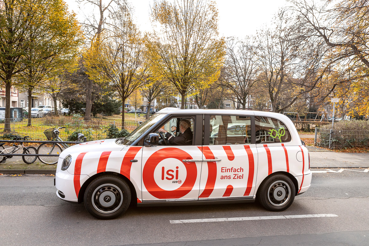 Isi is a ridesharing service in Cologne and bundles the journeys of all passengers travelling in the same direction. Isi relies on the fully electric LEVC taxis and started early 2021 for a four-year pilot phase in the city of Cologne.