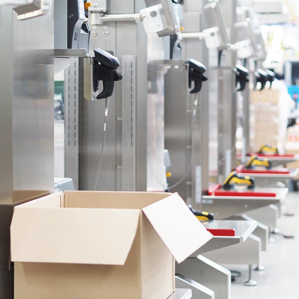 Scanning a barcode of a logistics unit