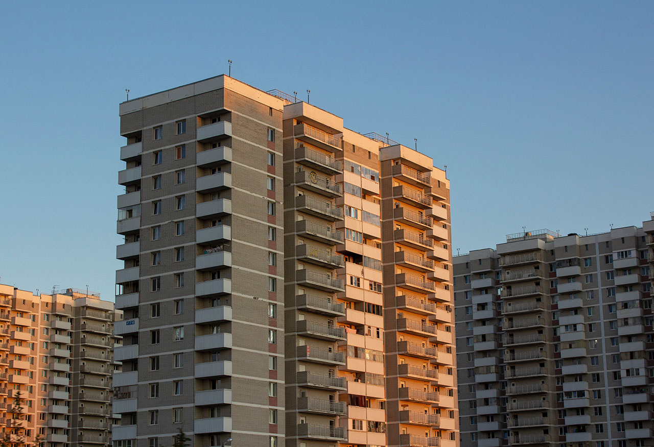 Should NYC Residential Buildings Outsource Security Guard Services?