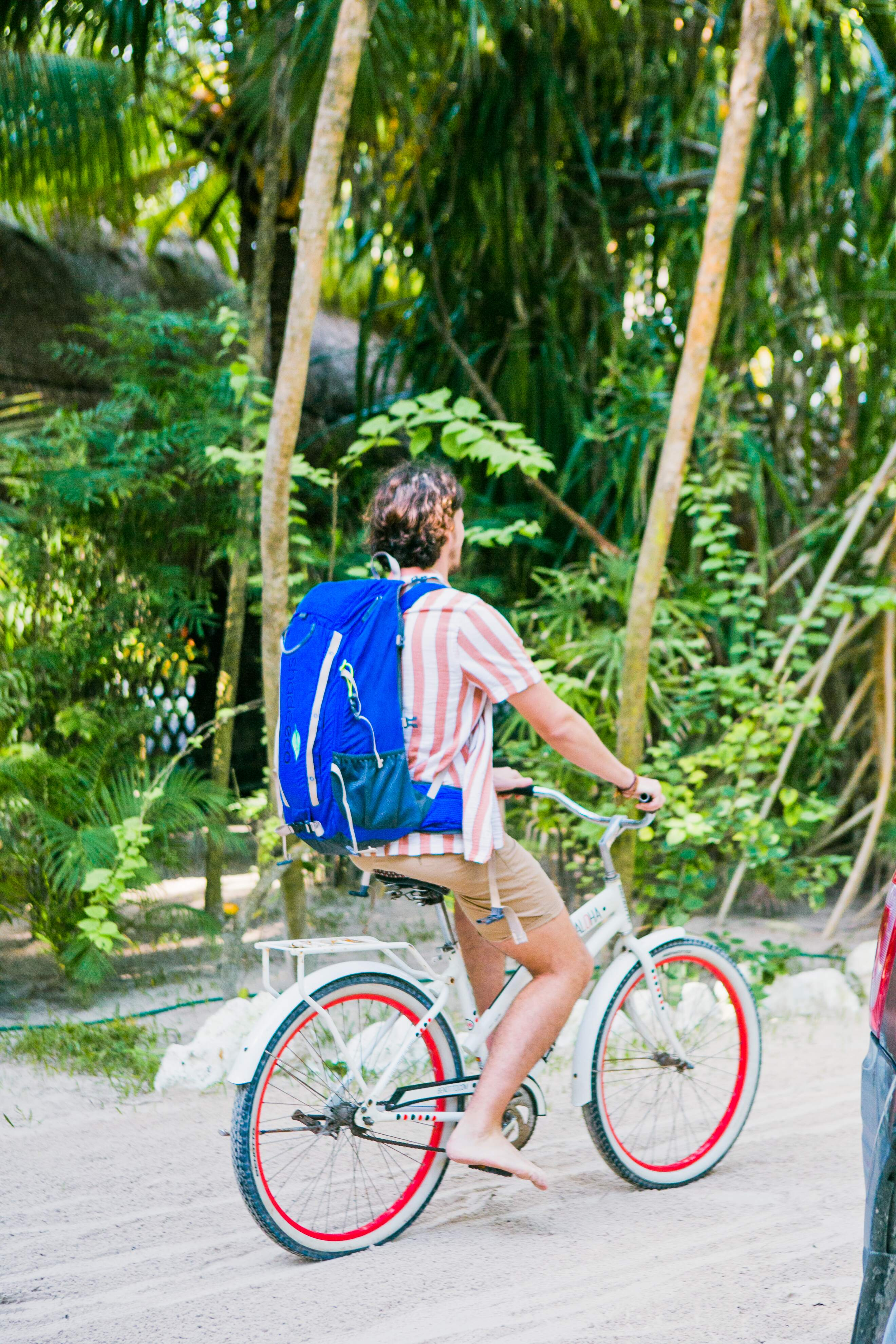 Riding bicycle with shadeeco backpack