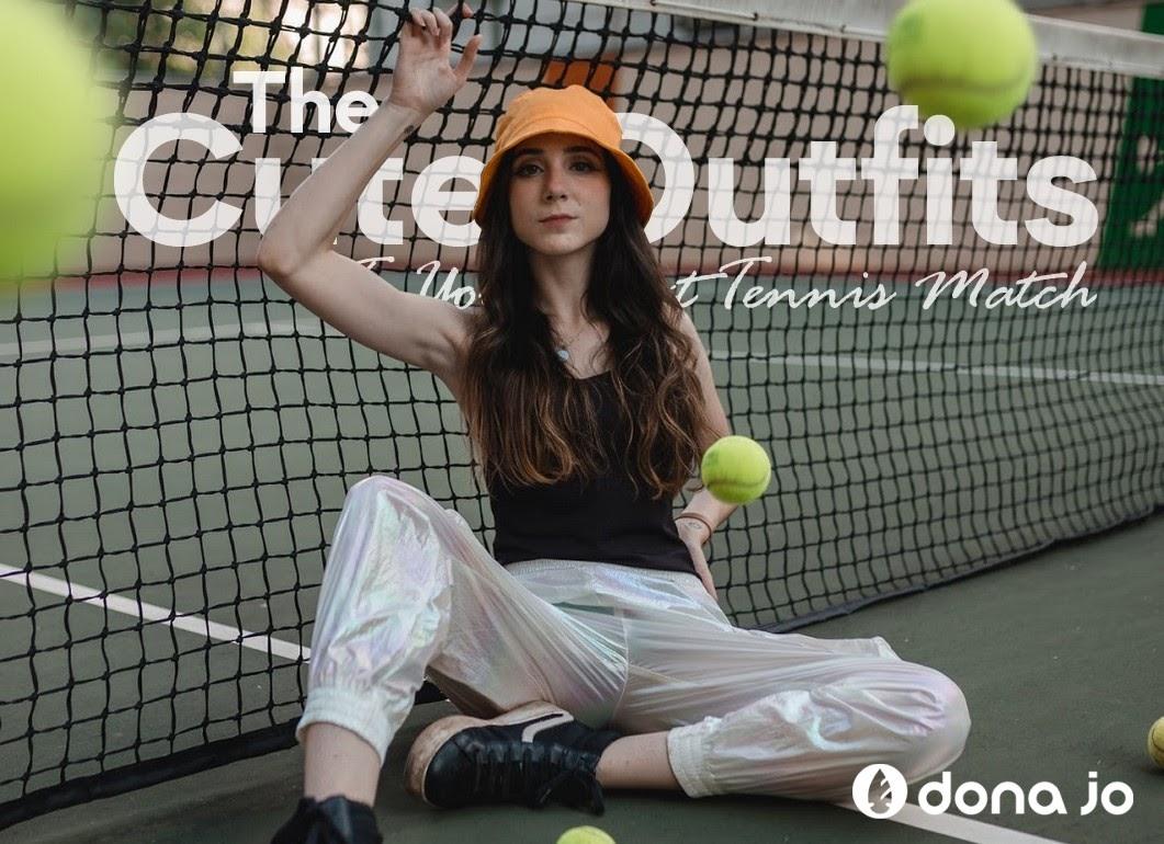 Women sitting at tenis park