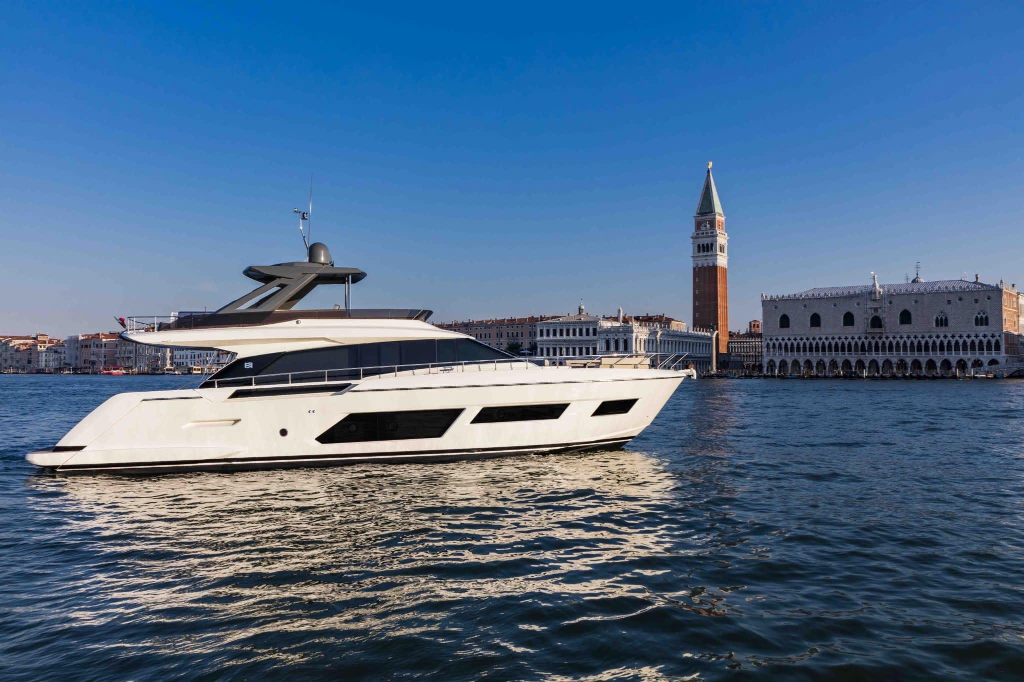 Ferretti Yachts 670 - Du thuyền lái nóc sang trọng, đẳng cấp, đáp ứng mọi kỳ vọng