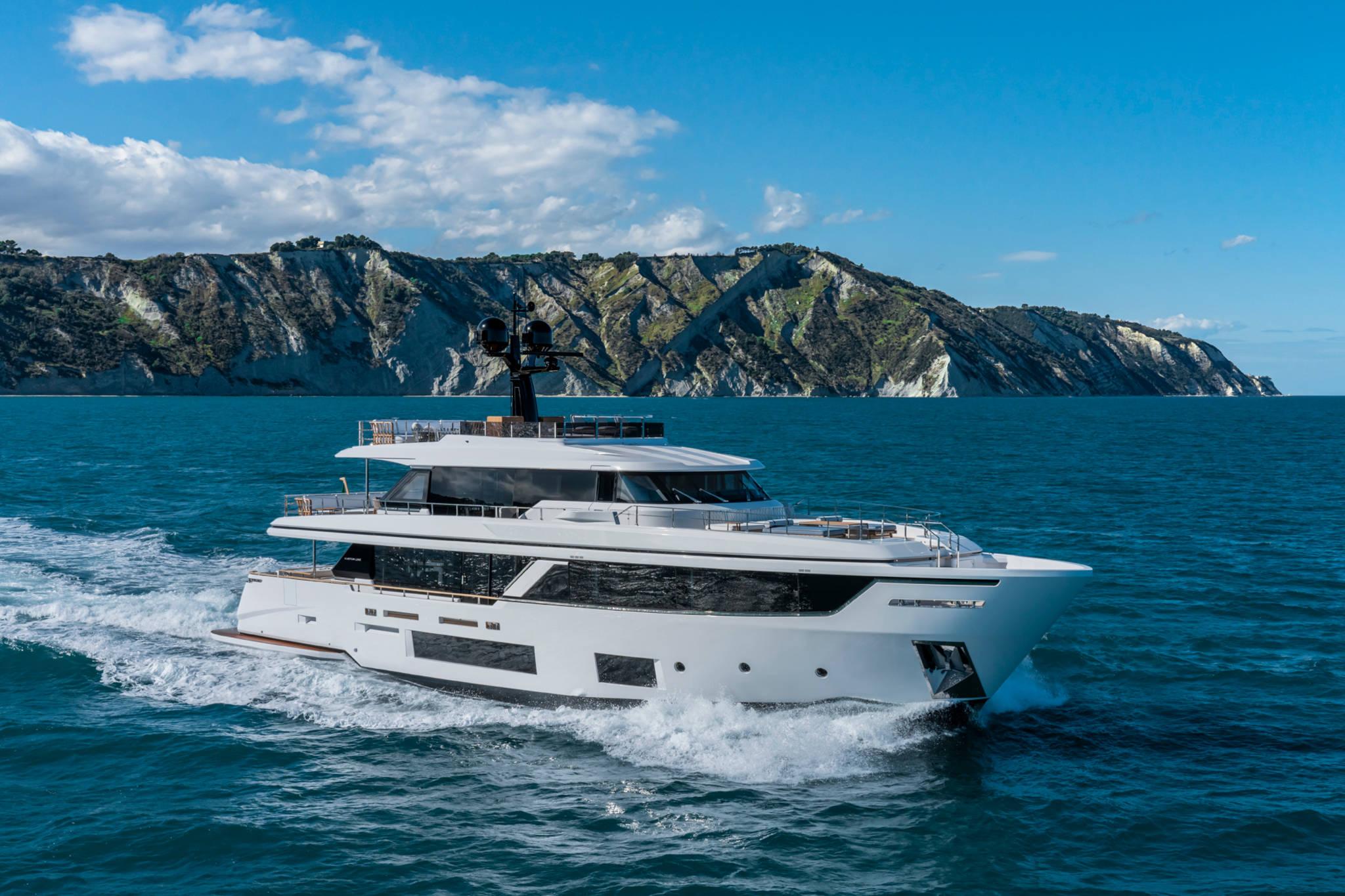 Custom Line Navetta 30 New - external 1
