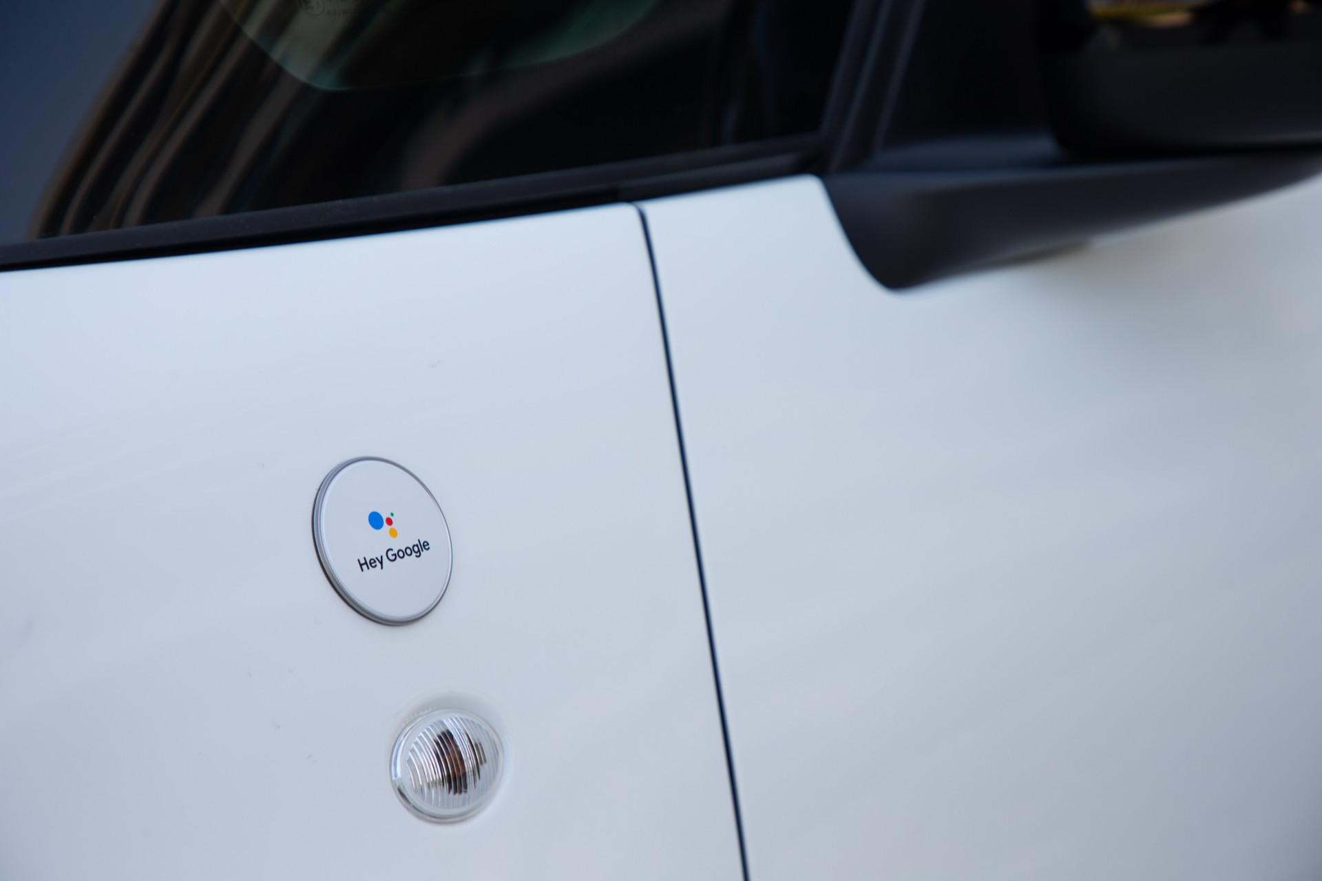 fiat 500 hey google badge