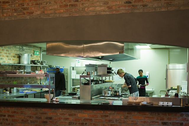 choosing commercial kitchen cleaning services