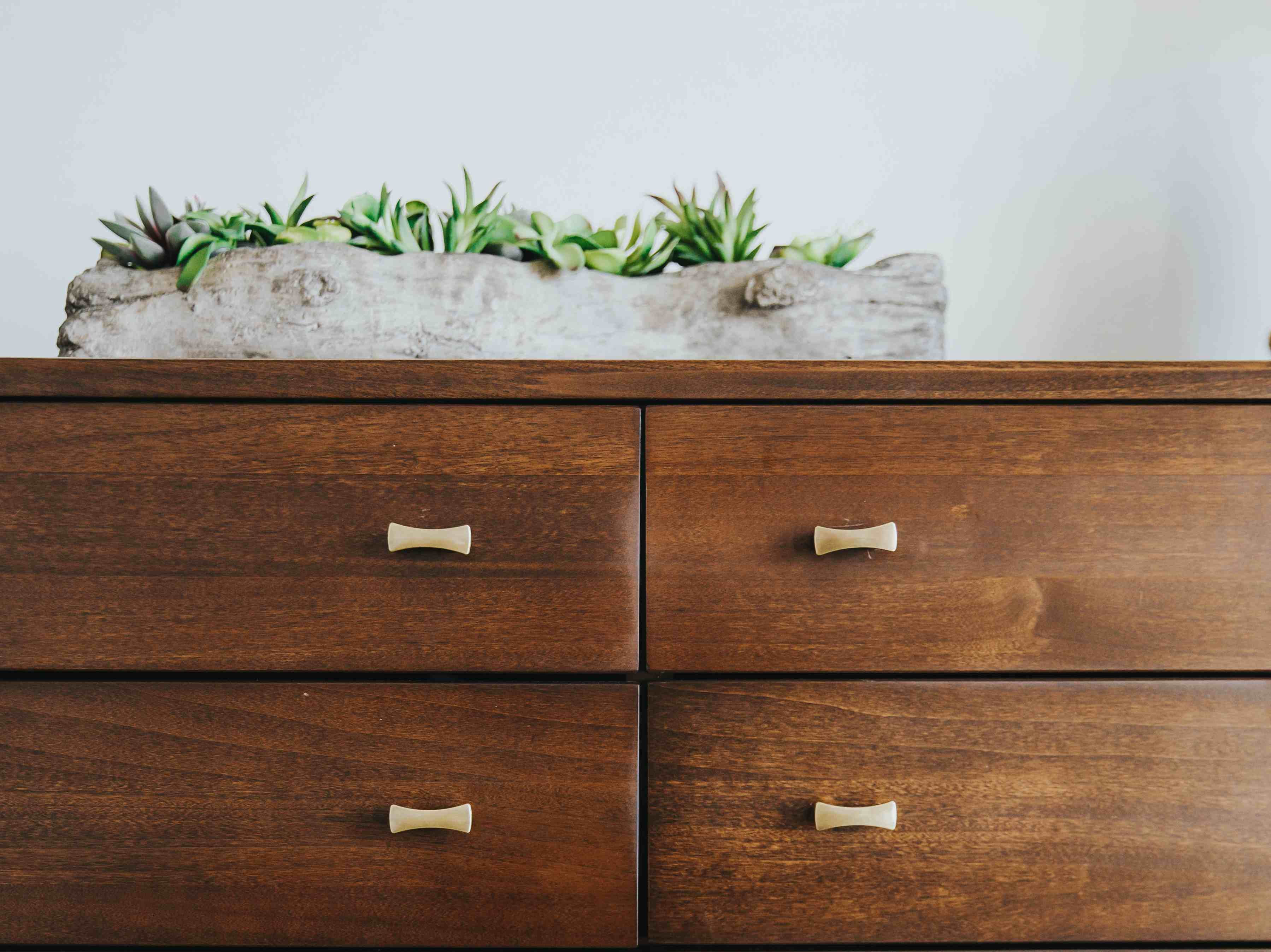 drawer-with-plant