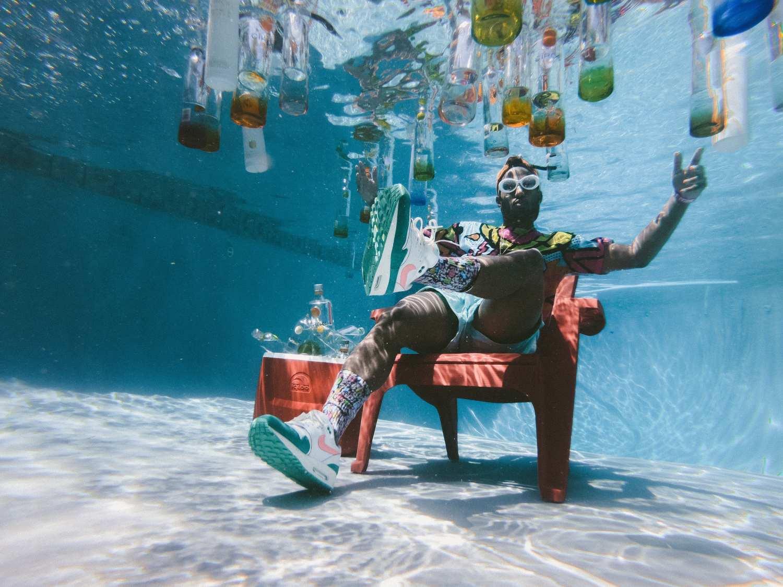 underwater pool party