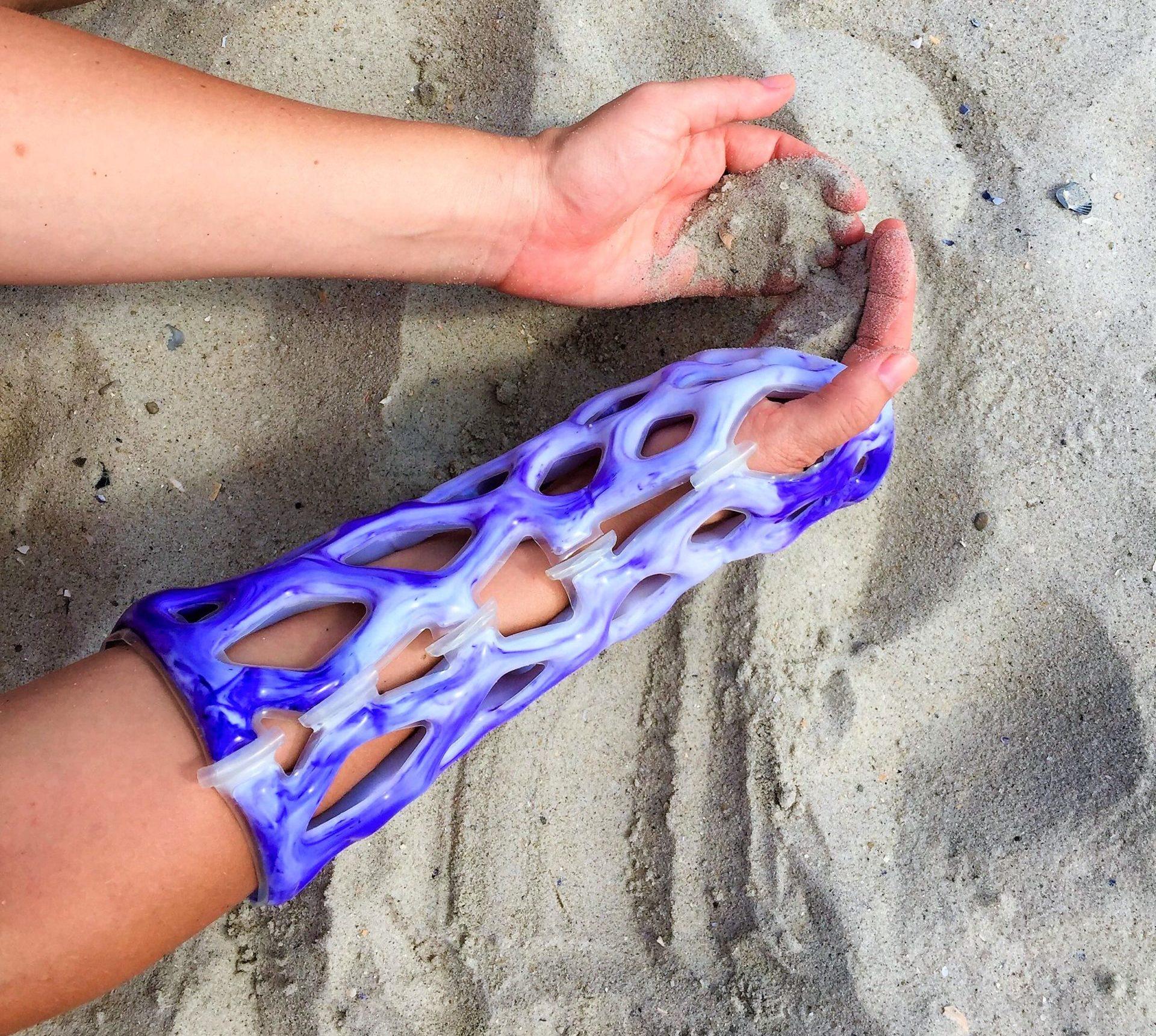 Futuristic cast is bath- and ocean-friendly