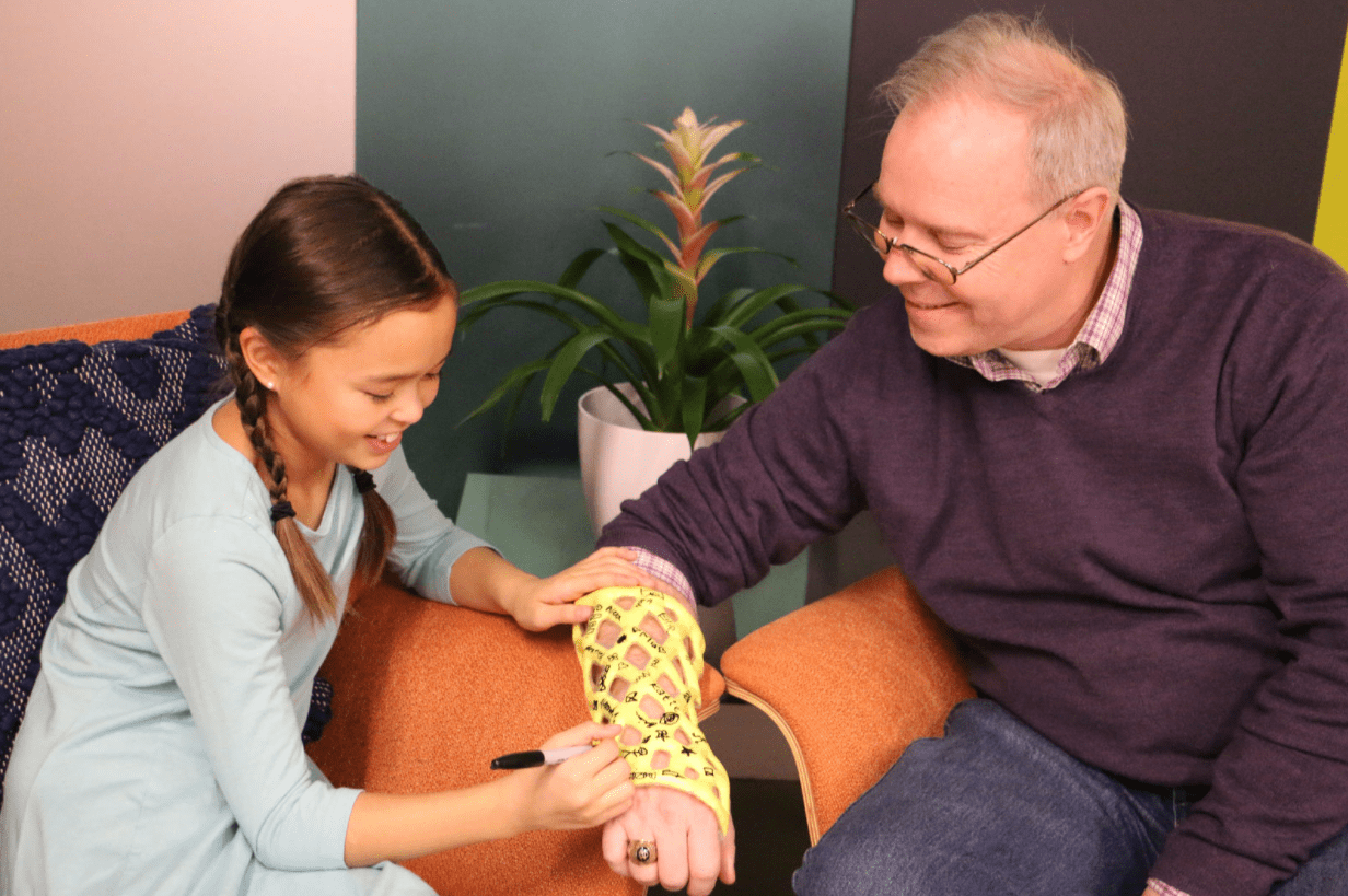 The end of the plaster cast for broken bones? Start-up creates a waterproof and mesh-like alternative to the traditional sleeve and it doesn't need to be cut off with a SAW