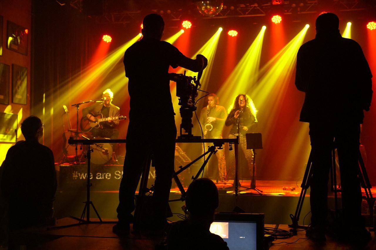 Behind The Scenes beim Firmen-Konzert Stream