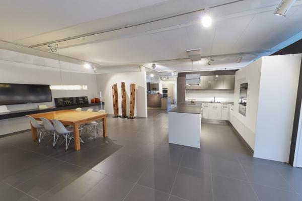 Moderne Küchen im Showroom