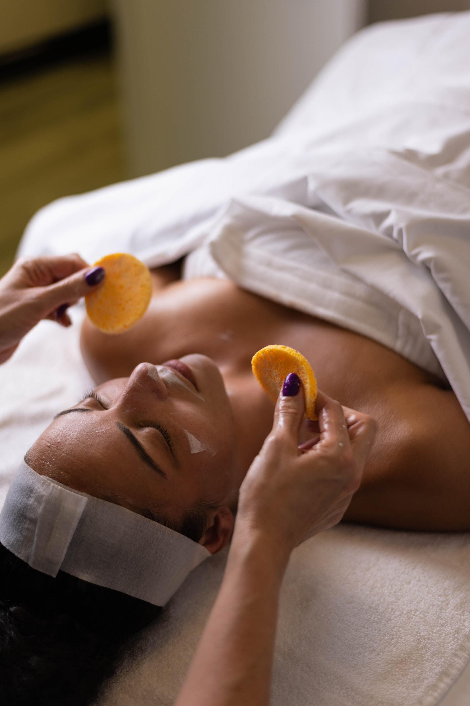 Koopr-Massage-Photo-by-Melissa-DuPont-on-Unsplash