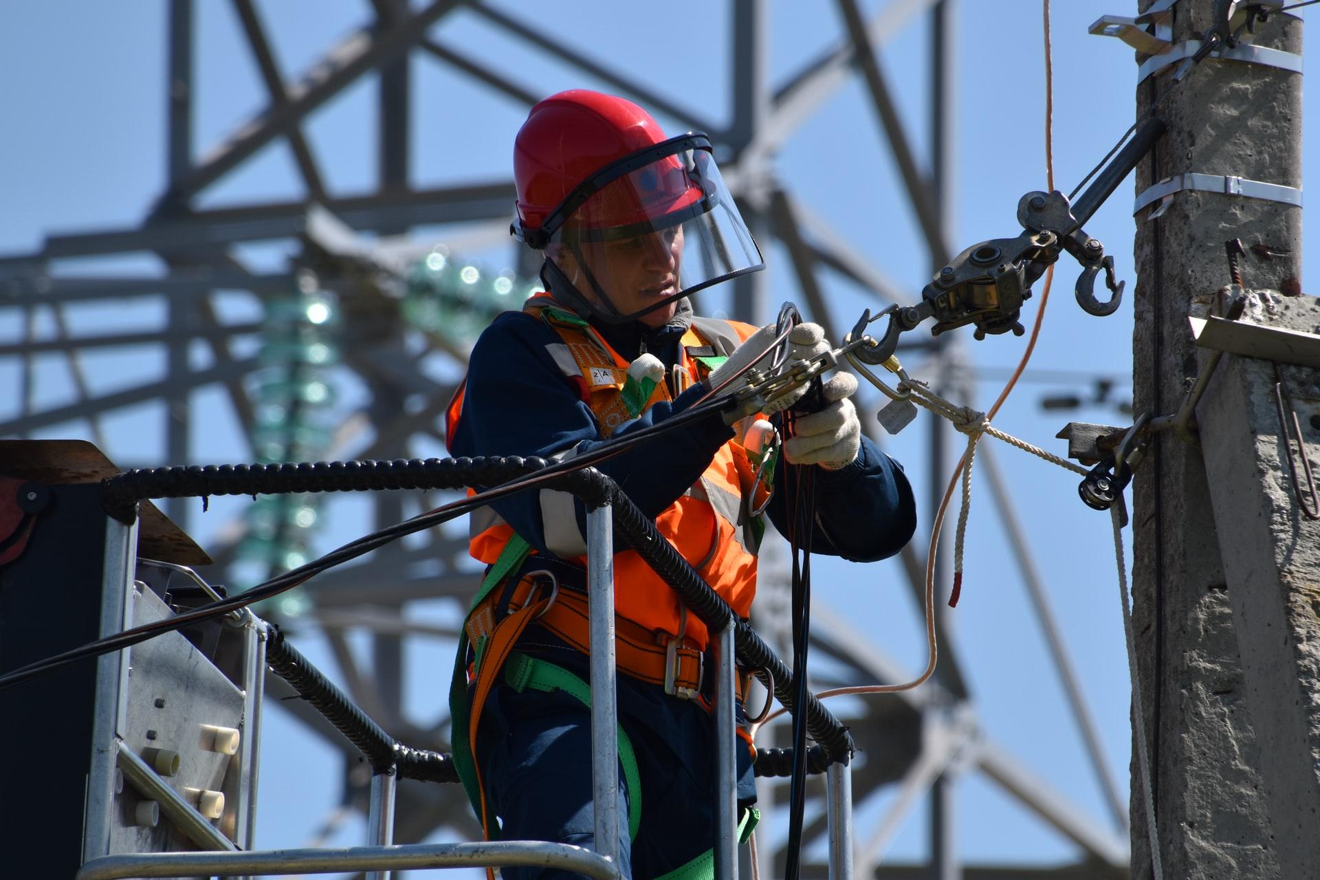 Electriciens-Koopr-Maintenance-Industrielle