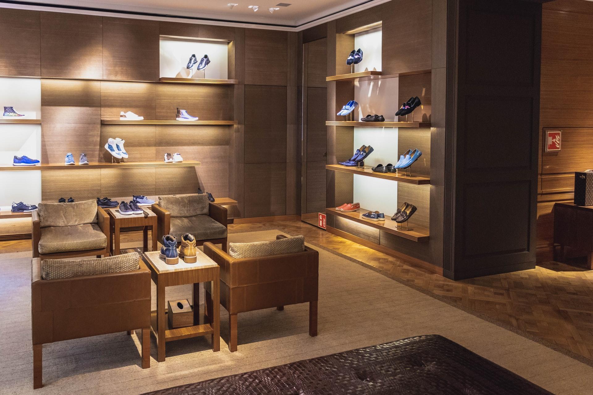Koopr-magasin-chaussures-ChristianWiediger-Unsplash
