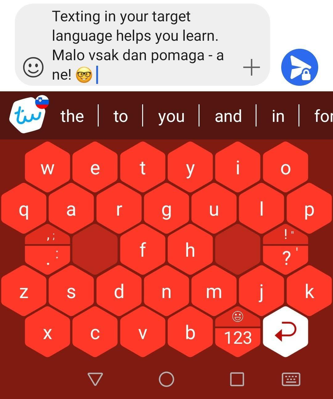Typewise smartphone keyboard with hexagonal keys