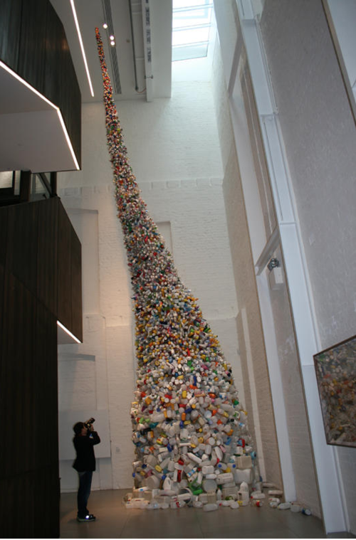 Wang Zhiyuan, Thrown to the Wind, 2010, steel and plastic bottles, 1150 x 400 (diameter) cm. Courtesy the artist and White Rabbit Collection, Sydney, National Gallery of Australia, Canberra, Australia