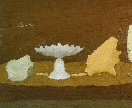 (Right) Giorgio Morandi, Natura morta (Still Life), 1960 (Vitali 1172). Oil on canvas, 25 x 35 cm. Private collection. © 2015 Artists Rights Society (ARS), New York / SIAE, Rome. (Left) Giorgio Morandi, Natura morta (Still Life), 1931 (Vitali 164). Oil on canvas, 54 x 64 cm, 21 3/16 x 25 3/16 in. Private collection. © 2015 Artists Rights Society (ARS), New York / SIAE, Rome.