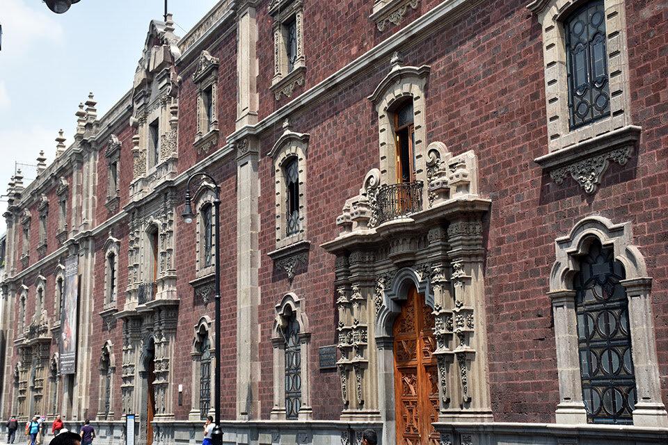 El Antiguo Colegio de San Ildefonso. Image courtesy of Andrew Fierberg