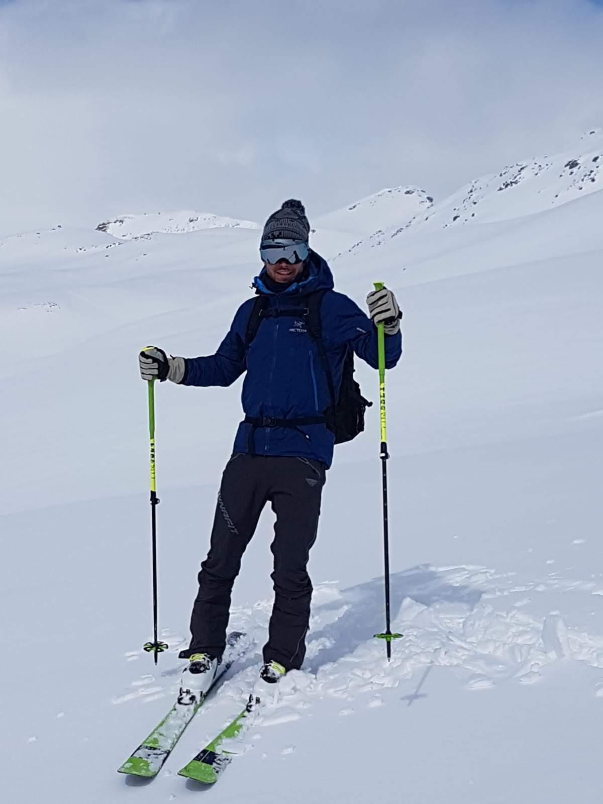 Me skitouring around