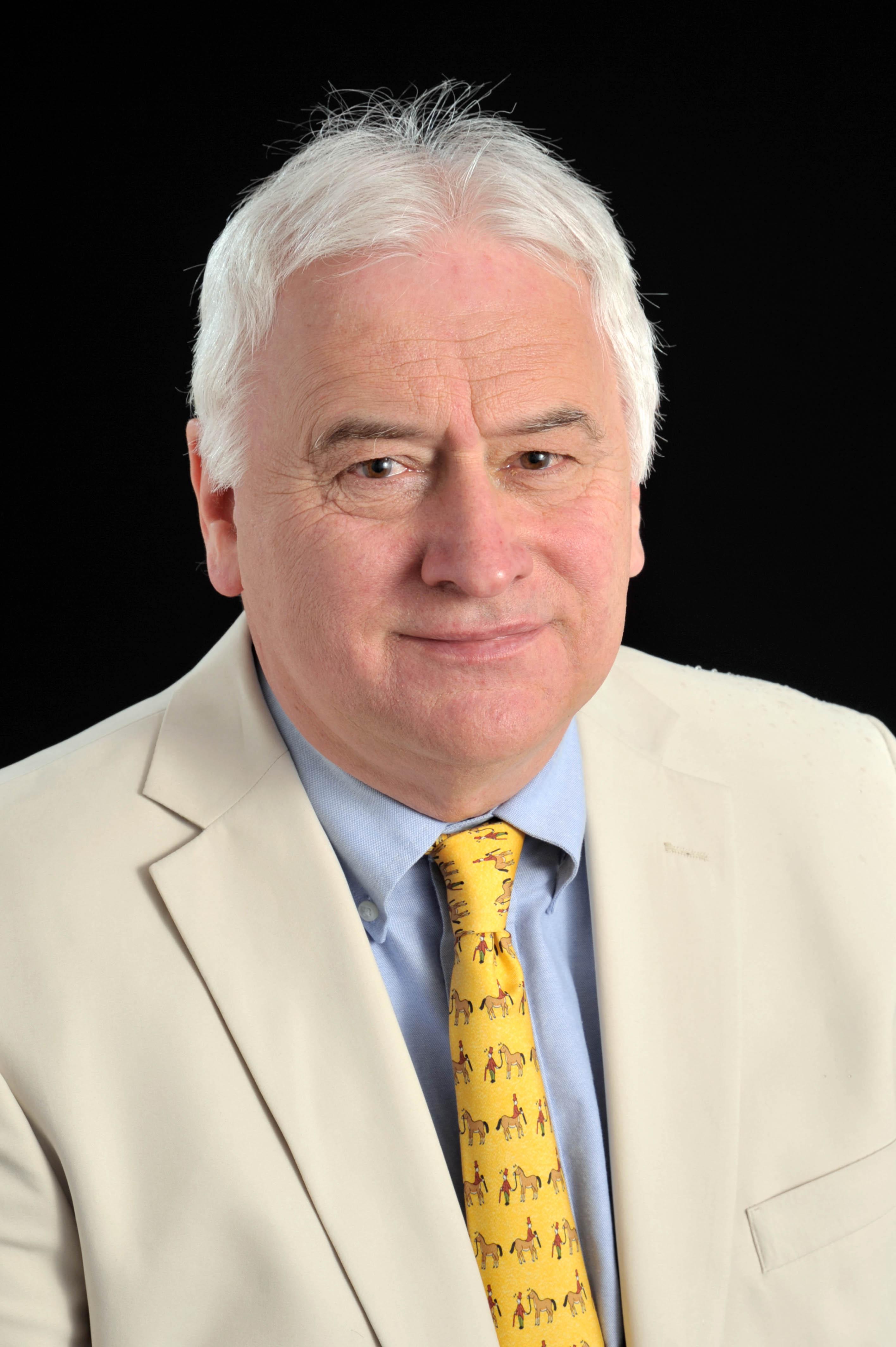 Portrait couleur du professeur Birkinshaw