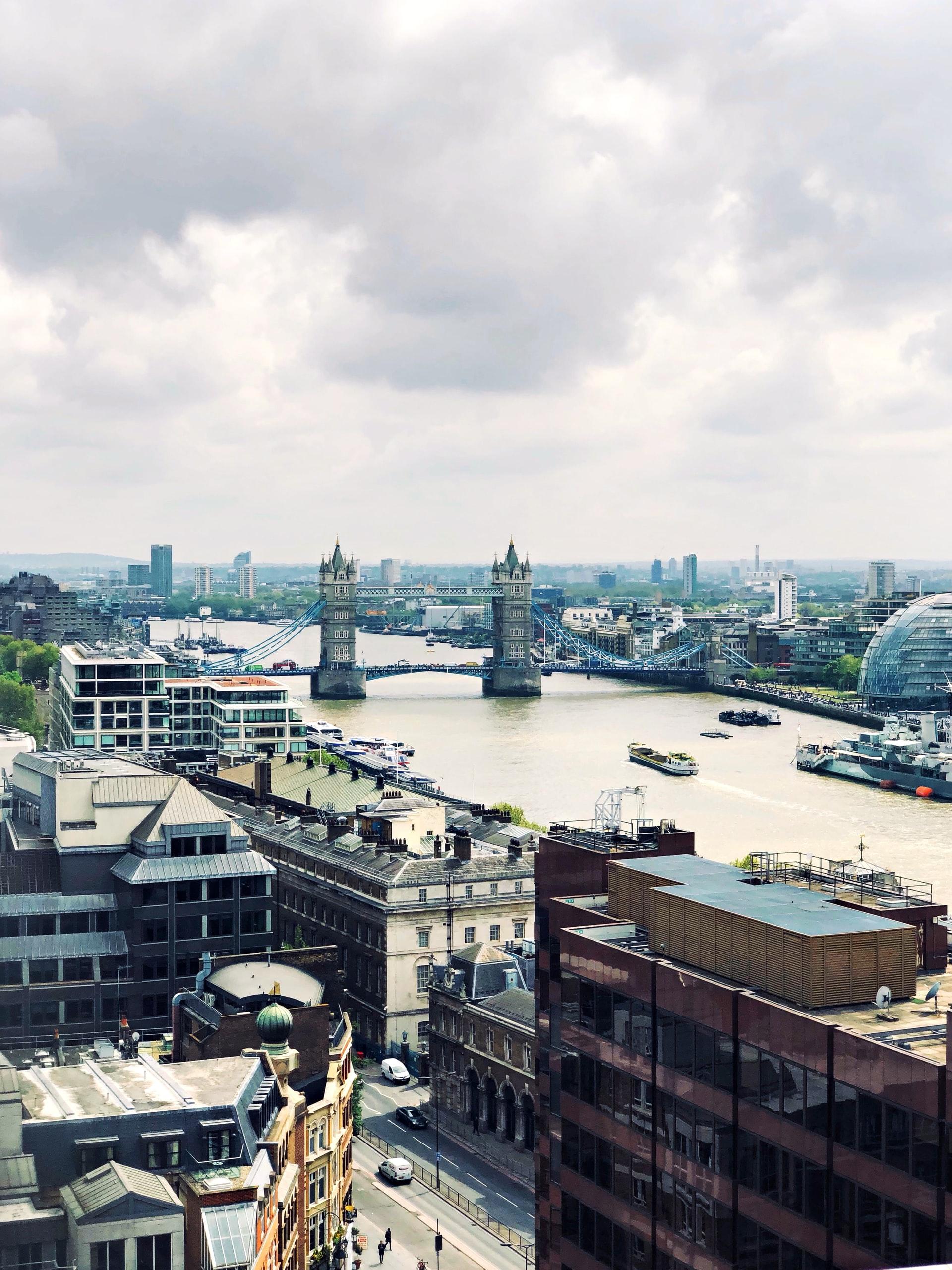 Photographie en contreplongée de Londres