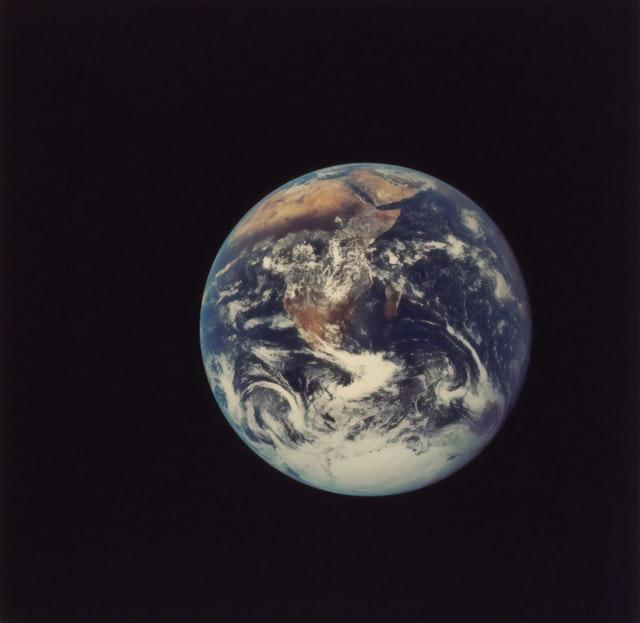 Photographie de la terre prise de l'espace