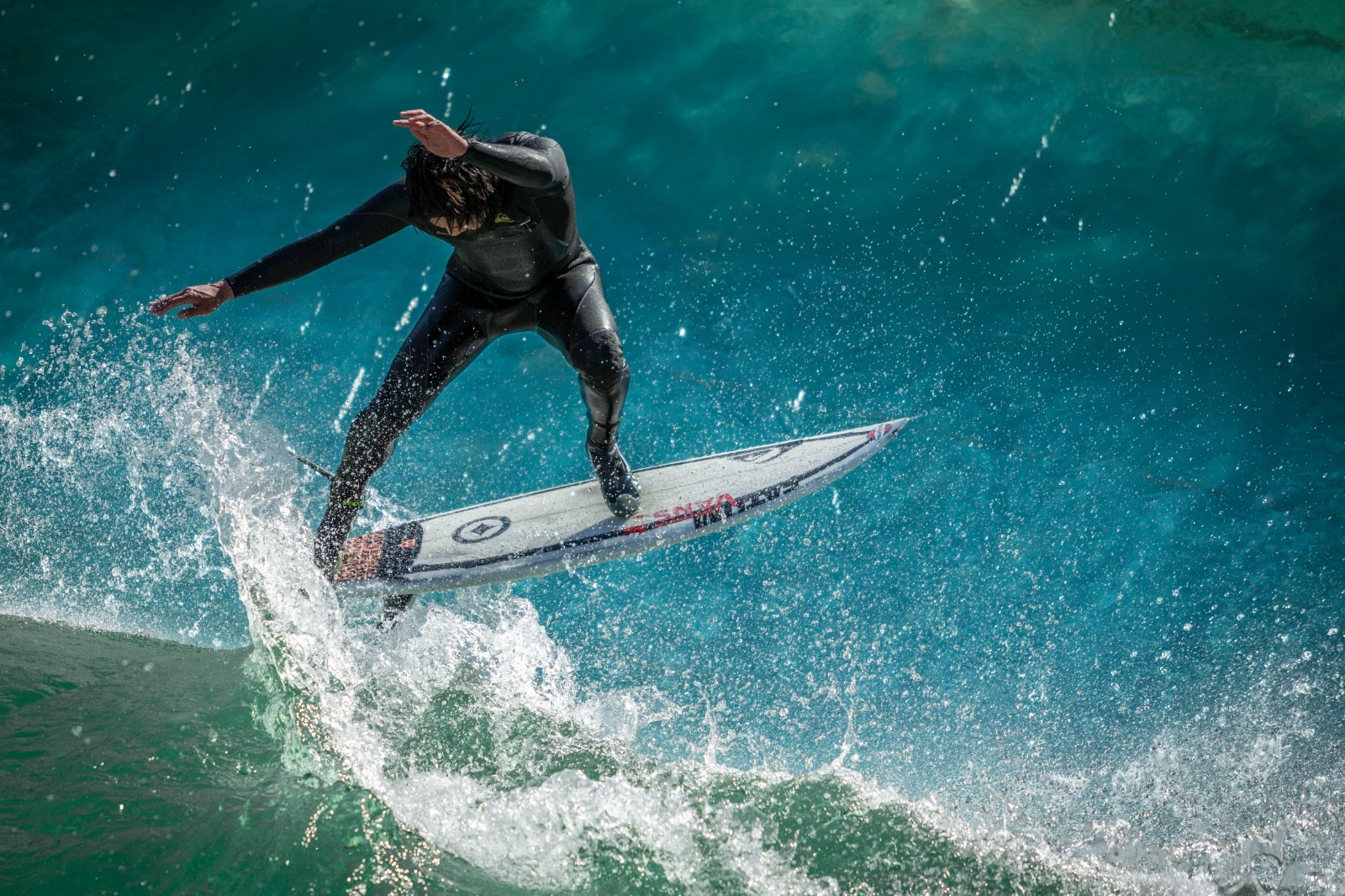 Riversurfing ist für Anfänger und Fortgeschrittene gleichermaßen attraktiv. HIPI ZT GmbH