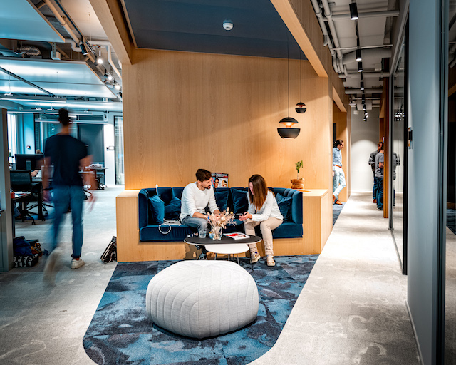3 Essential Tips for Building a Successful Hybrid Workplace Model