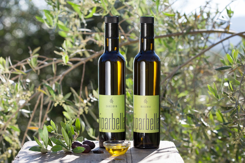 Die fertigen Olivenöle von Podere Riparbella