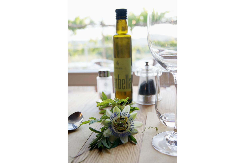 Die Olivenöle von Podere Riparbella in Gebrauch