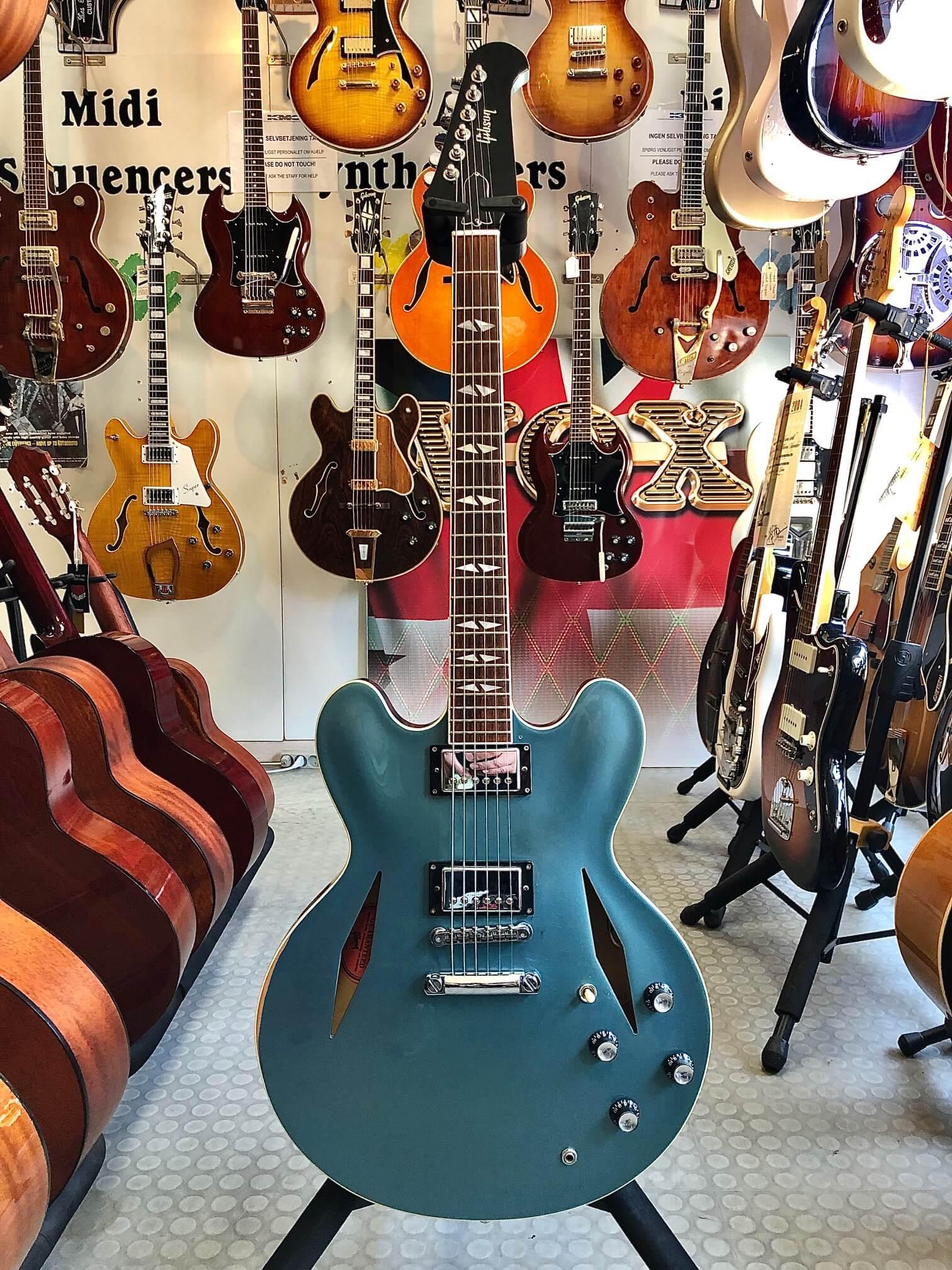 Gibson Dave Grohl DG-335 2008 #058/200 Pelham Blue Memphis LTD OHC