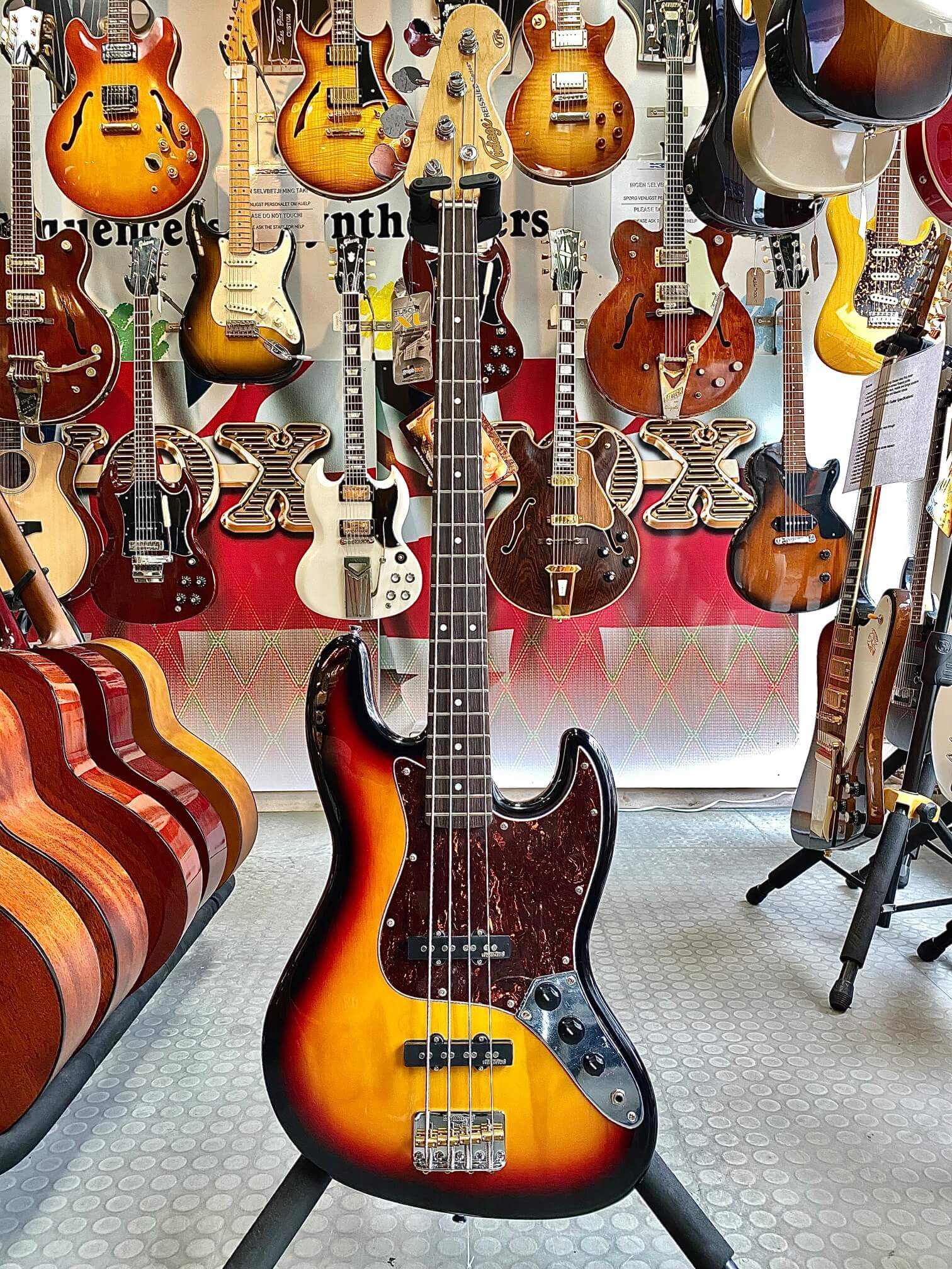Vintage Ejm96 Bass