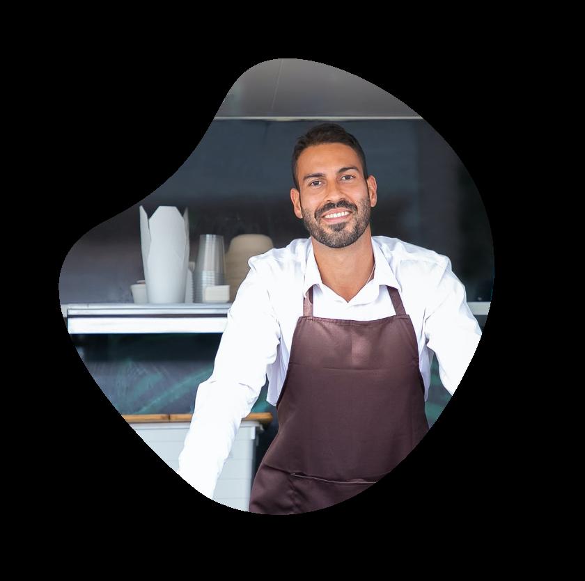 photo d'un restaurateur heureux