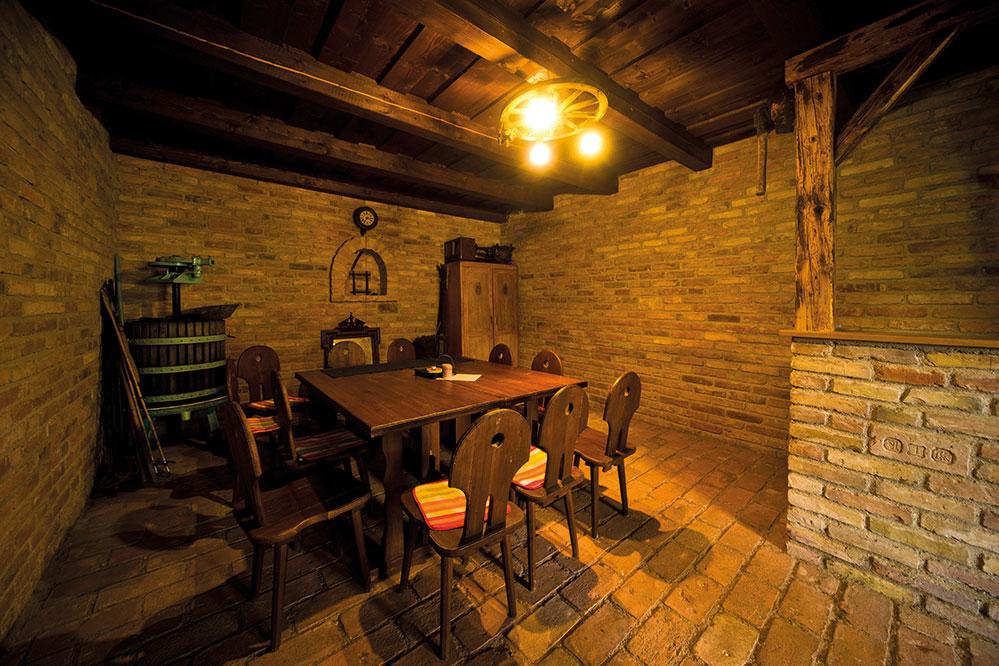 Sklep, Pergen - rodinné vinařství v obci Perná, u Mikulova