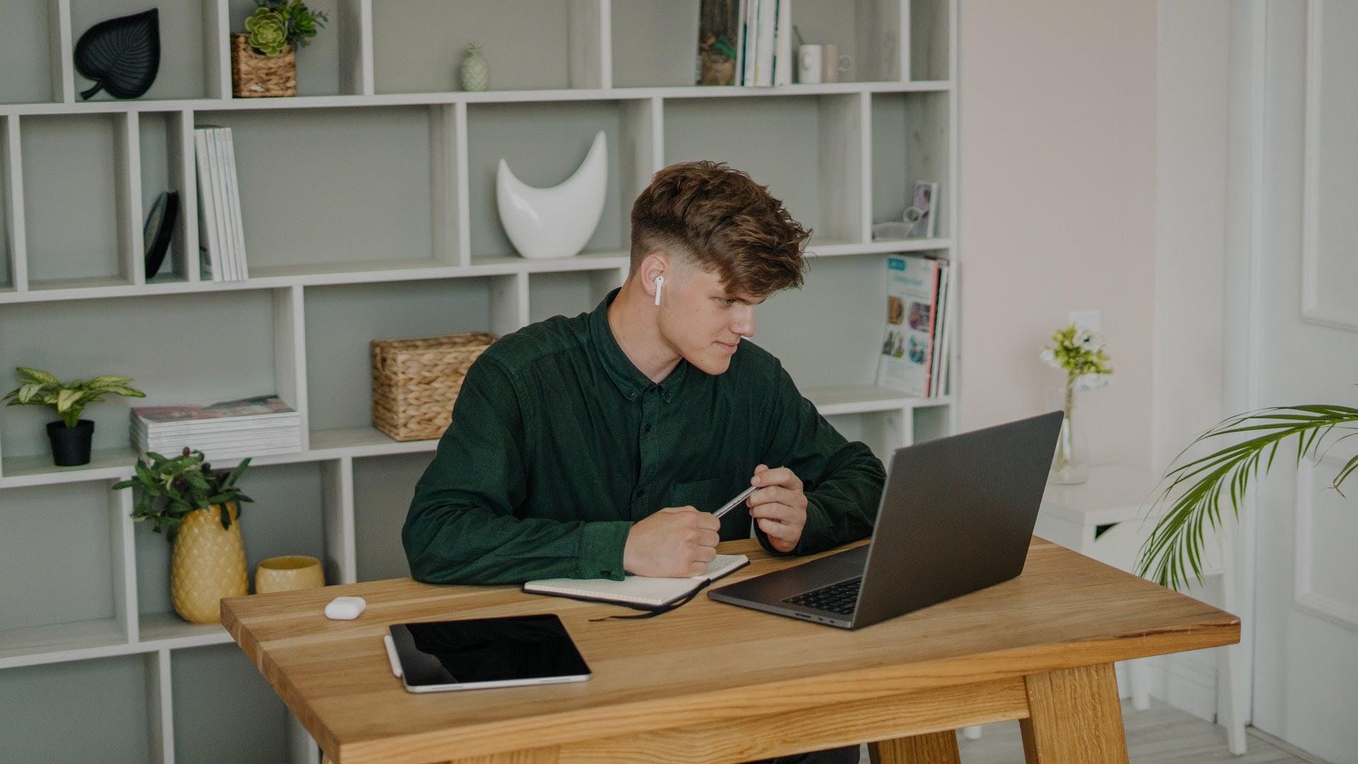 Male in online class