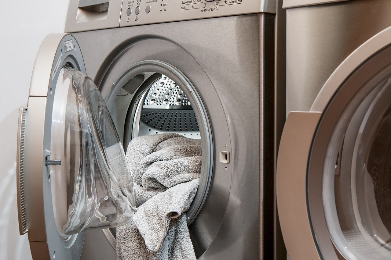 Modular laundry units for the accommodation sector