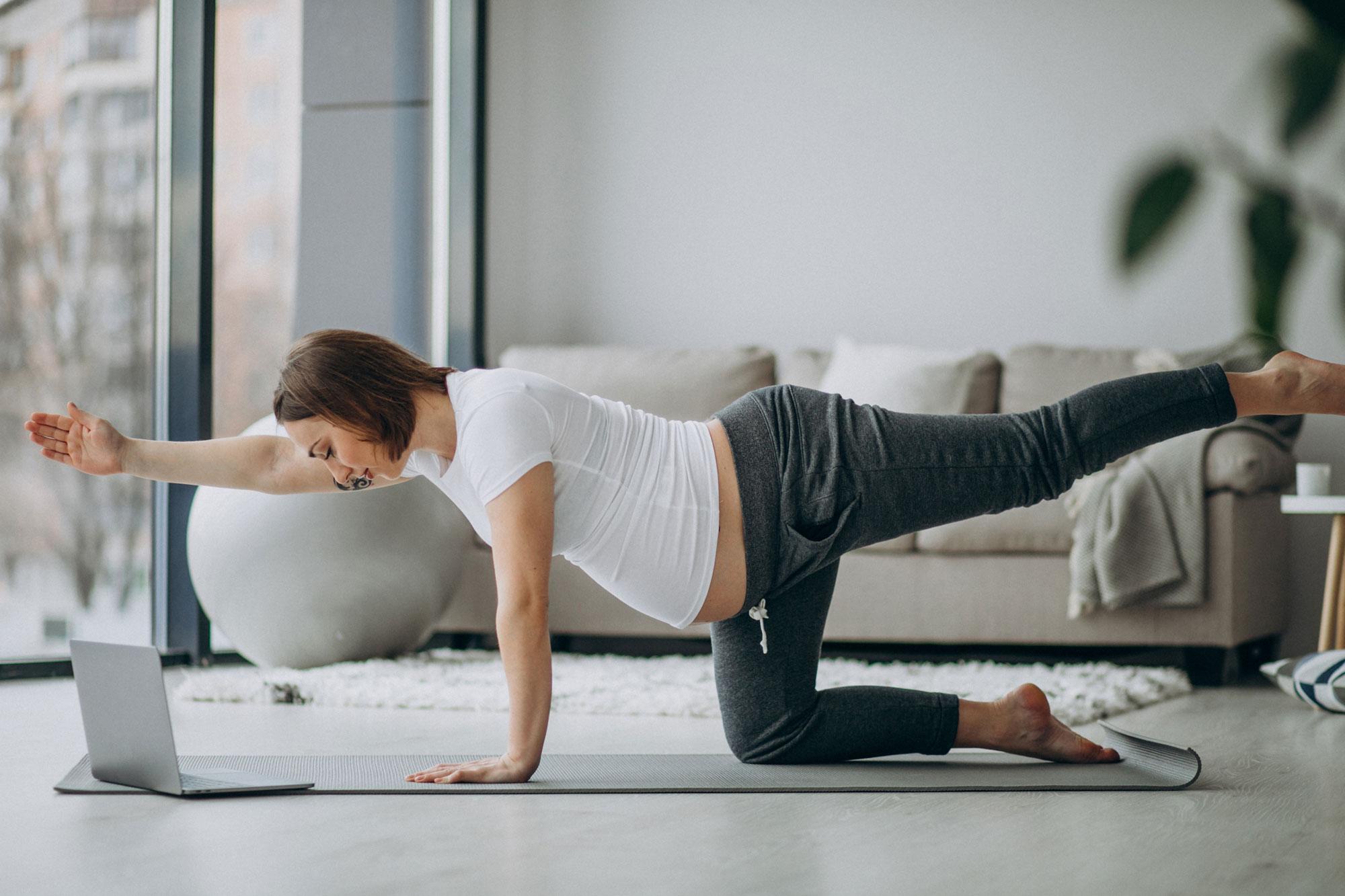 pregnant women doing pilates online